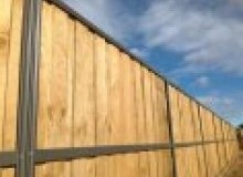 Kwikfynd Lap and Cap Timber Fencing axecreek